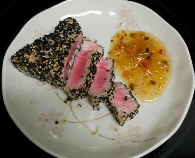 芝香吞拿鱼排 seared sesame tuna steak